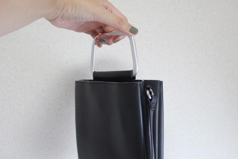 旅行の便利グッズの斜めがけのバッグ