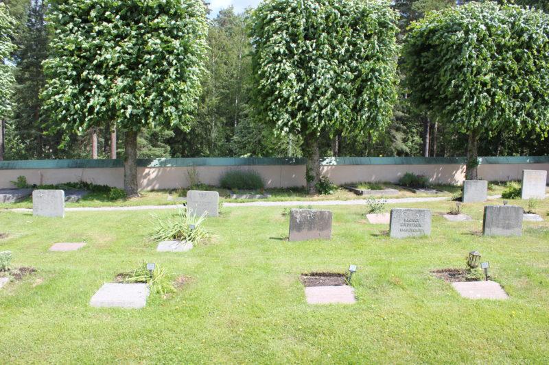 スウェーデンのスコーグスシュルコゴーデンのお墓