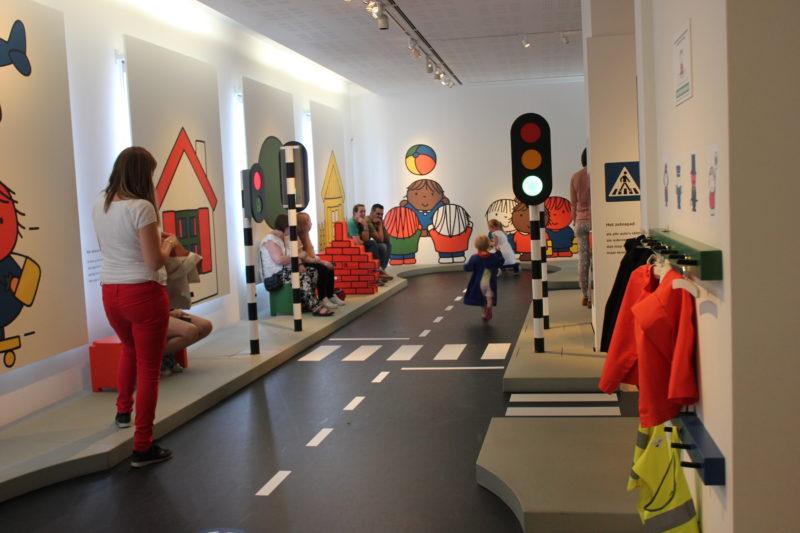 オランダユトレヒトのミッフィーミュージアムの道路安全コーナー