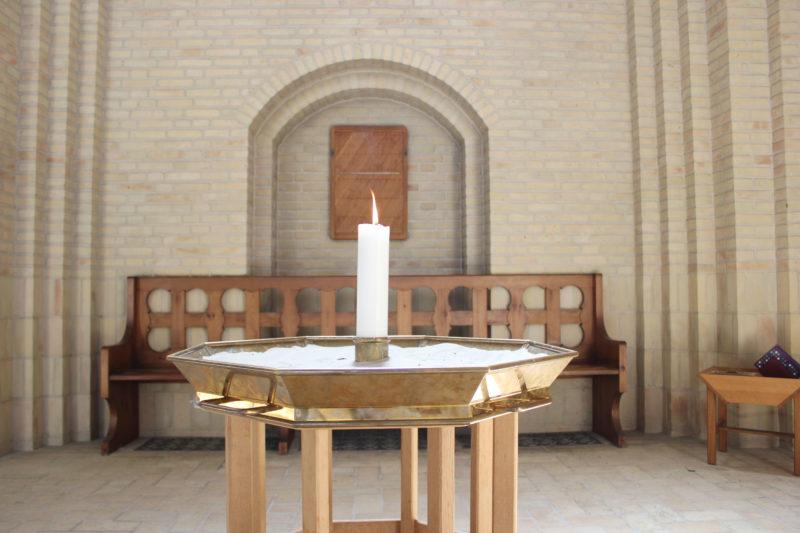デンマークの教会グルントヴィークスのキャンドル