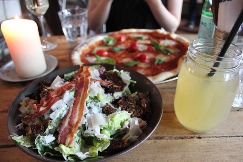 デンマークのピザ屋さんGormspizzaのシーザーサラダ