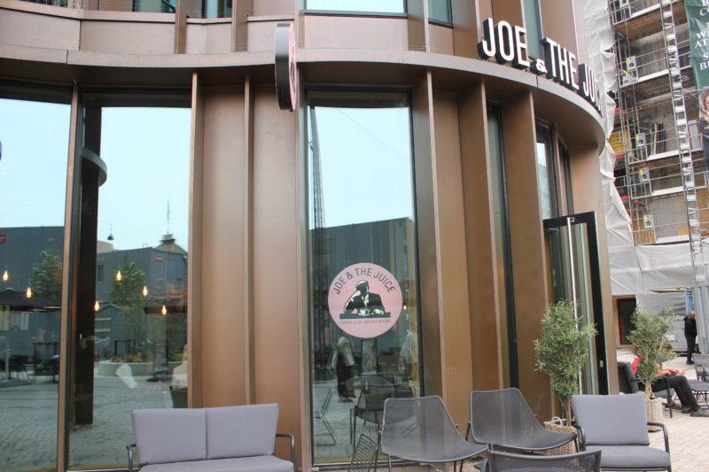 デンマーク発のカフェJOE&THE JUICE外観