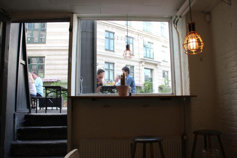 デンマークのビール屋さんミッケラービールの店内