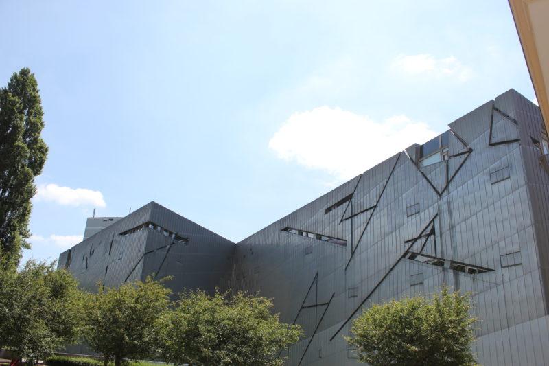 ドイツベルリンユダヤ博物館の壁