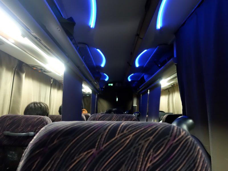 ジャムジャム 夜行バス独立シート名古屋行き車内
