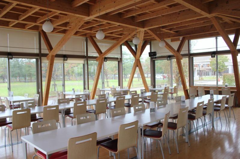 秋田国際教養大学の食堂