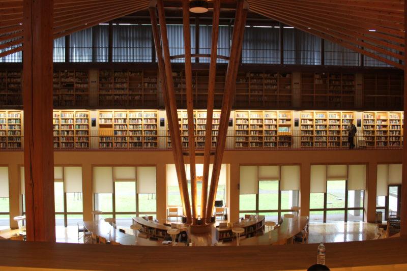 秋田国際教養大学の図書館