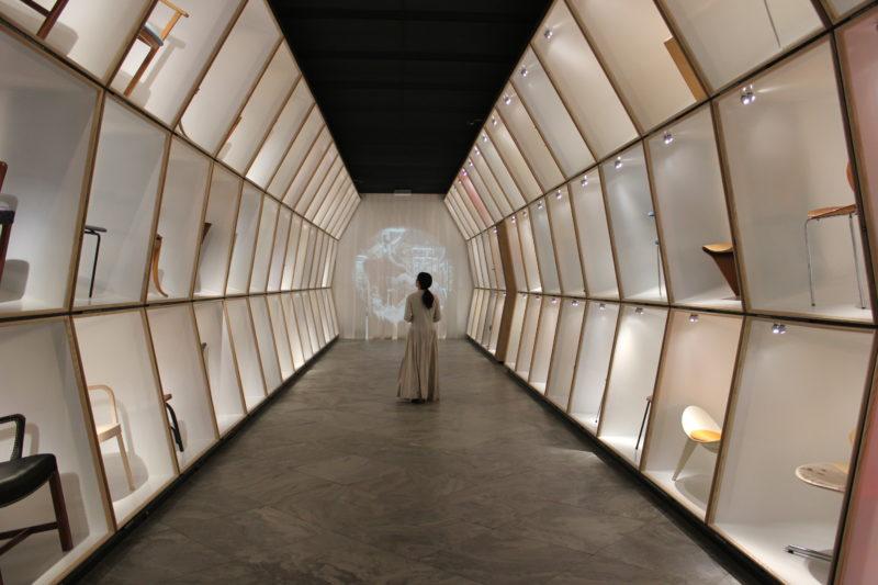 デザインミュージアムデンマークのデニッシュチェアと友達