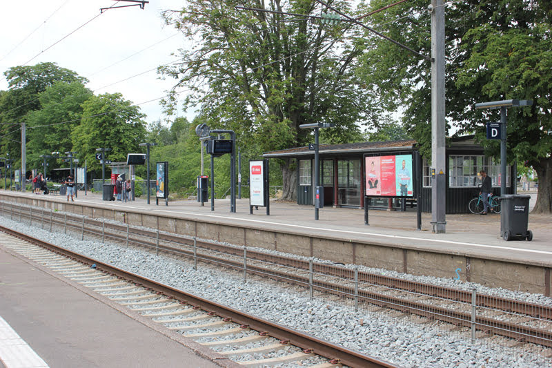 フムレベック駅