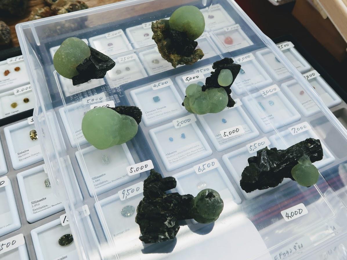 石フリマのプレーナイト