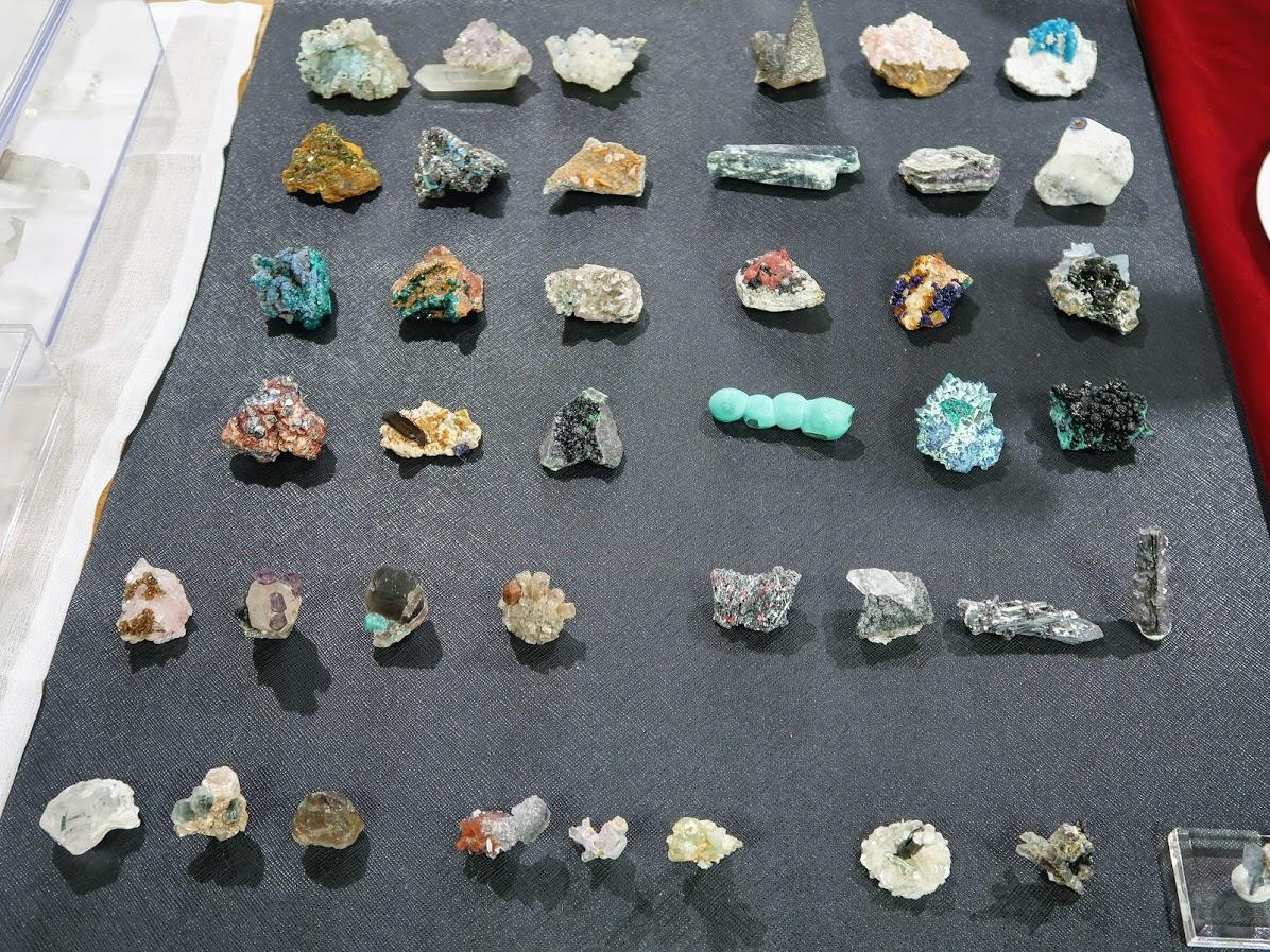 石フリマの共生鉱物