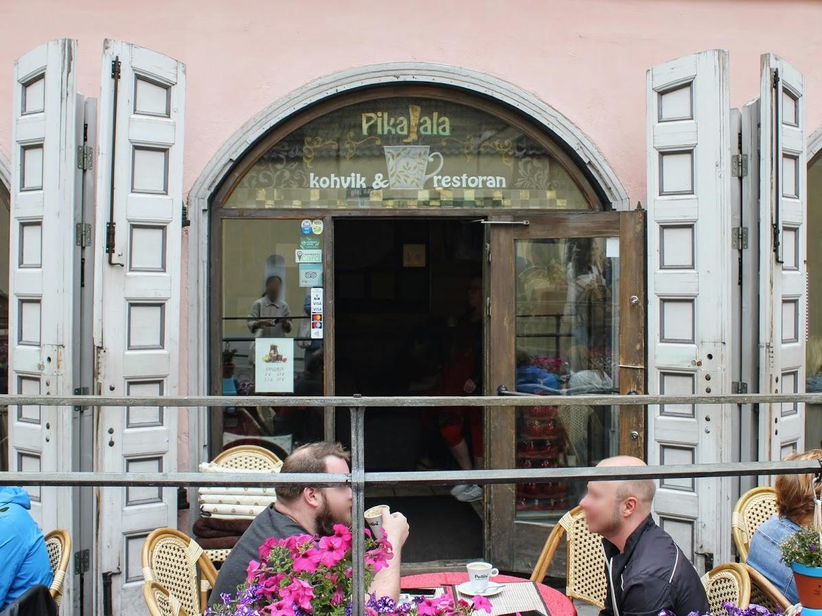 エストニアタリン旧市街のカフェレストランピカヤラ