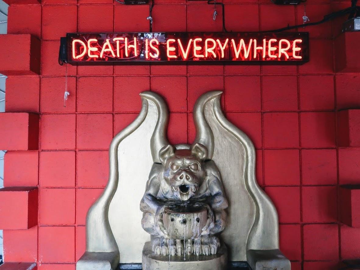 死の博物館のオブジェ