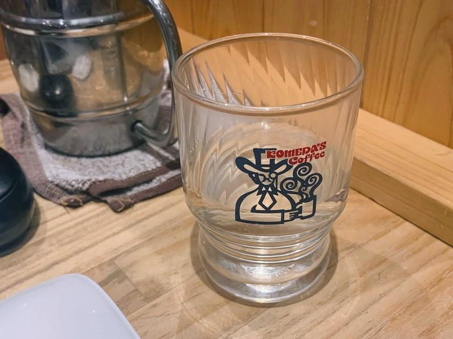 コメダコーヒーの水